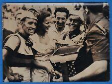 vintage photo cycling fiets velo foto Impanis stage winner Tour de France 1948