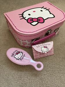 Hello Kitty Pink & White Boutique Vanity Case With Hairbrush
