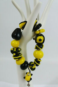 Chunky Art Glass Bright Yellow and Black Beaded Bracelet
