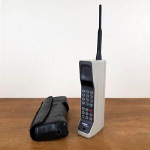 Vintage Motorola DynaTAC Early Brick Cellular Mobile Phone w/ Leather Belt Clip