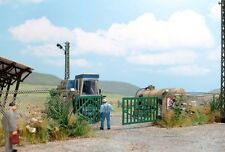 Busch 1019 East German Fence & Gate Kit - HO Scale - Tracked 48 Post