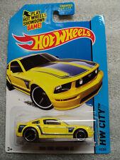 2014 Hot Wheels - 2005 FORD MUSTANG GT - BFG30