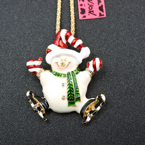 Betsey Johnson Cute White Enamel Hat Snowman Pendant Chain Necklace/Brooch