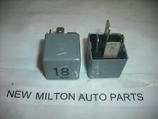 2 VW VOLKSWAGEN GOLF mk3 POLO mk4 Sharan Ford Galaxy Riscaldatore Blower Fan RELAY 18