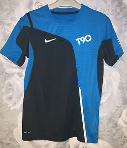 Boys Age 8-10 Years - Nike Total 90 - Sports Top - Dri-Fit