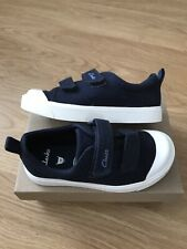 Boys Girls Clarks Navy Canvas Pumps Shoes Size 8.5 F Worn Once