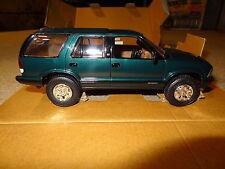 1996 Chevrolet Blazer 4x4 truck promo model. Emerald green. AMT #8296EO 96 Chevy