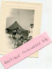 PHoto d'un groupe de colons Scouts le dimanche 11 septembre 1949 dans la prairie
