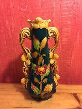 Majolika Vase um 1900 Kirschmotiv guter Zustand