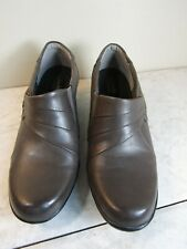 Clarks Bendables Leather Gray Block Heel Slip On Boot Shoes Woman's Size 8 M