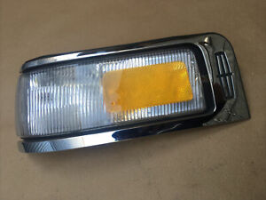 95-97 Lincoln Town Car LH Side Marker Turn Signal Lamp / Corner Lamp(USED)
