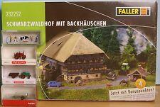 Faller 232252, Spur N,  Bausatz Schwarzwaldhof + Wiking, Herpa und Preiser