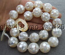S031012 Natural 18MM White Mother Of Pearl Necklace