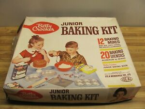 Vintage 1960s BETTY CROCKER Junior Baking Kit In Box ***Not Complete***