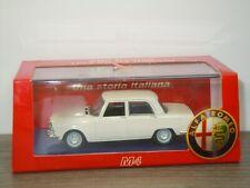 Alfa Romeo 2000 Berlina 1971 - M4 Models 1:43 in Box *42432