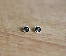 925 Sterling silver stud earrings with natural Mother of Pearl Black lip Shell
