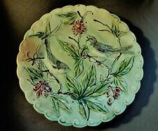* Assiette ancienne en barbotine, décor oiseaux