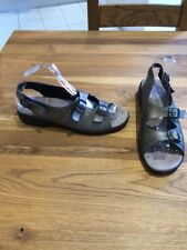 Free Step Size 7 Gold Metallic Leather Fully Adjustable Flat Comfort Sandals