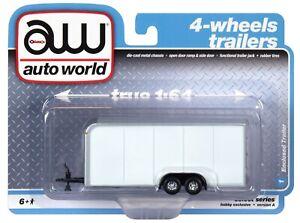 1:64 AUTO WORLD *WHITE* Enclosed Car Trailer *NIP*