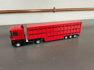 A Smith Auto Models 1:50 Renault A-1 Magnum Stepped Cattle Trailer Red