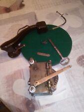 Moteur manivelle et plaque de gramophone mécanique complète
