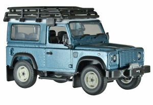 Land Rover Defender 90 Hardtop with Roof Rack -  1/32