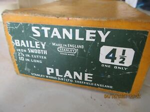 Vintage no 4 1/2 bench plane by Stanley in original box with instructions, clean