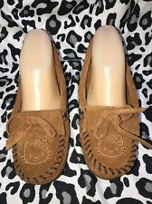 MINNETONKA HELLO KITTY MOCCASINS SHOES{WOMENS BROWN LEATHER UPPER SHOES SIZE 6M