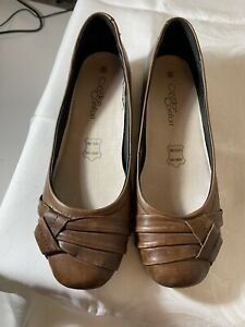 Cushion Comfort Ladies 8 Brown Leather Pumps NWOB Cadual Or Business