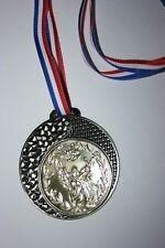 """Médaille """" Argent """" VICTOIRE  V avec ruban diamètre 70 mm poids 50 gr"""