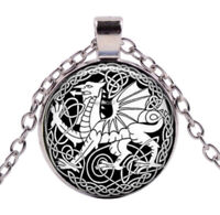 Collier Pendentif Dragon Style Antique, Chaine argenté.