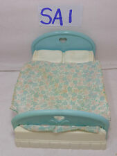 FISHER PRICE LOVING FAMILY DREAM HOUSE PART DOUBLE BED BLUE BEDSPREAD RARE