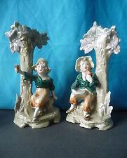 2 Figuren-Vasen Blumenvasen Mädchen und Junge auf der Rast