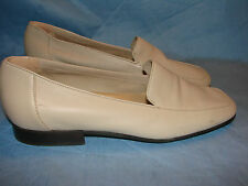 WOMEN'S SHOES  8 1/2 N NINE WEST IVORY WHITE LOAFERS HEEL