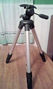 Used Camera Cam Lightweight 3 Section Aluminum Tripod Nikon?