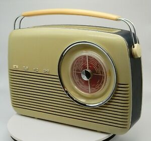 Bush TR82C- Transistor Radio - Cir 1962/3  MW & LW