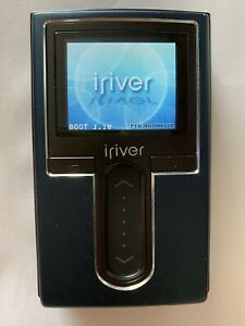 iRiver H10 Blue ( 20 GB ) Digital Media Player