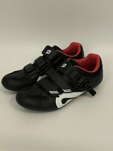 New Peloton Unisex Cycling Shoes With Cleats Size 39 US Women's Size 8