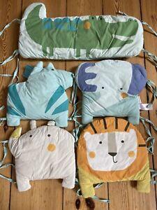 Nestchen Bettumrandung Nest Babybett Polster Laufstall Gitter Vertbaudet Tiere