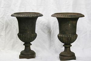 Paire de vasques Médicis (haut.39 cm) / Pair of Medicis pot