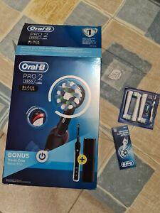 Oral-B Pro 2 - 2500 Spazzolino Elettrico Ricaricabile Black Edition Braun