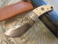Couteau Damas Old Forge Skinner Lame 256 Couches Manche Os Etui Cuir OF037