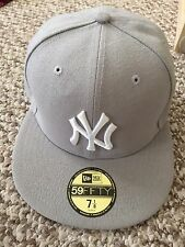 New Era 59Fifty Fitted New York Yankees Game Cap Size-7  1/8 Grey UNWORN