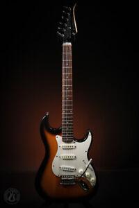 Silvertone SS15 Revolver Double Cut Sunburst Electric Guitar