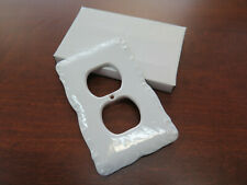 SINGLE WHITE PORCELAIN WALL PLATE OUTLET PLUG IN CERAMIC COVER NIB