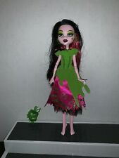 Monster High Once Upon a Time Story Draculaura as Snow Bite