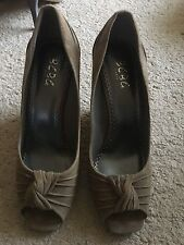 Womans BCBG Wedge Shoes - Size 8.5B