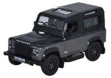 Oxford 76LRDF009AU - Land Rover Defender Autobiography - 1:76 Scale - T48 Post