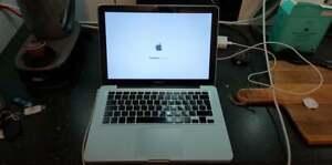 Apple MacBook Pro A1278 - Intel P8400 - 4GB Ram - 250GB SSD - GeForce 9400m -593