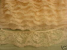 Gathered Cream Lace 10 metres (828) one break